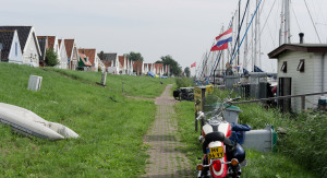 DNL-dutch-dikes---waterlandse-zeedijk-bij-durgerdam_1600